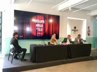 Presentación de la gala Catalunya Aixeca el Teló con la pta.De Adetca B.Orfila.
