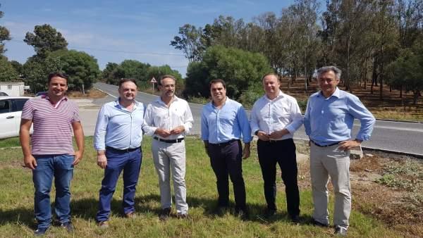 Felipe López con el alcalde de Paterna y el portavoz del PSOE en Medina