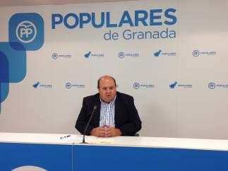 Portavoz del grupo popular en la Diputación, José Robles