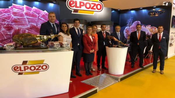 El equipo de ELPOZO ALIMENTACIÓN, liderado por su presidente Tomás Fuertes
