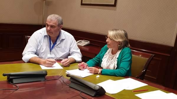El secretario general de UPA Huelva, Manuel Piedra, junto a Josefa González Bayo