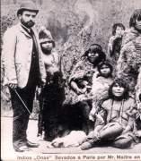 Indios fueguinos en una exposición en París - 1889