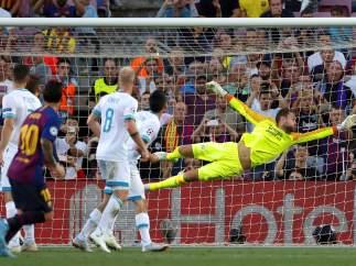 Gol de falta de Messi al PSV
