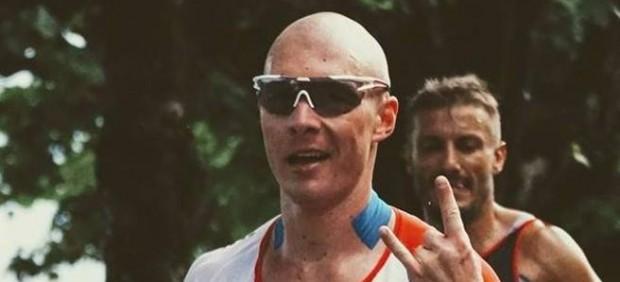 Un triatleta, expulsado de por vida de un buffet libre tras comerse más de 100 platos de sushi