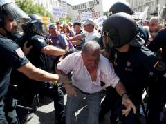 Tensión ante el Congreso en una protesta de pensionistas