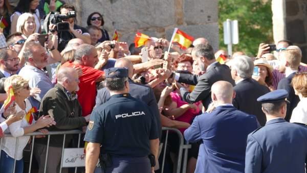 El Rey saluda en la Plaza de Santa Ana de Ávila