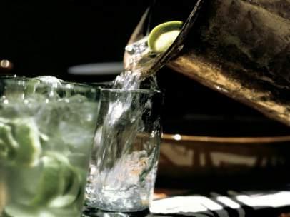Jarra de agua en un restaurante