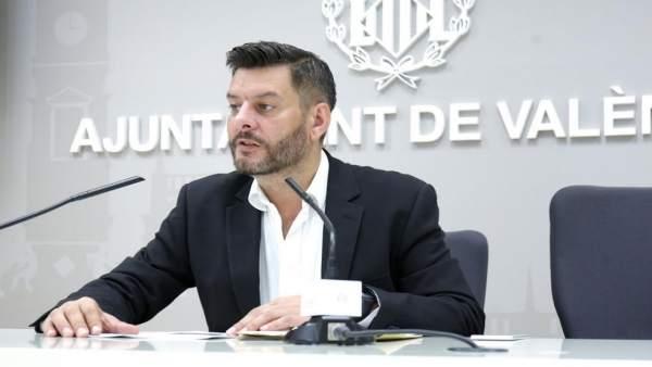 """L'Ajuntament de València, """"satisfet"""" amb l'Estat en horaris comercials, però revisarà les ZGAT """"si fóra necessari"""""""