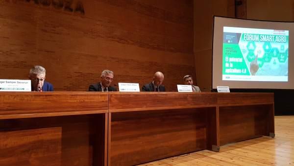 El consejero Olona clausura el I Forum Smart Agro