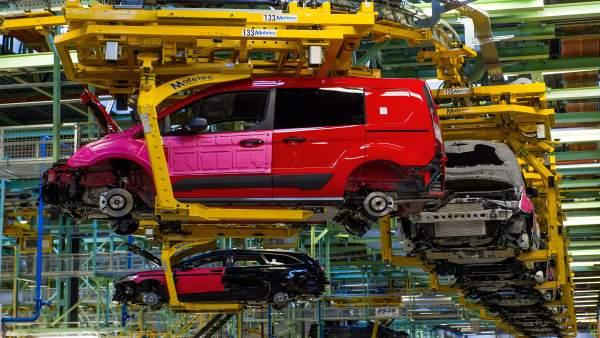 """La Generalitat creu que els cotxes elèctrics són """"una via de futur"""" per a Ford Almussafes"""