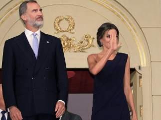 Los Reyes presiden el bicentenario del Teatro Real