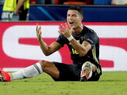Cristiano Ronaldo tras ser expulsado en Mestalla.