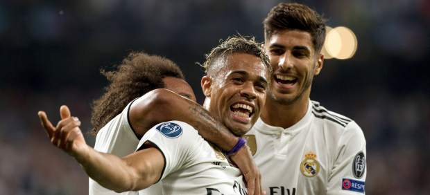 El Real Madrid disfruta y golea a la Roma en un partido mágico