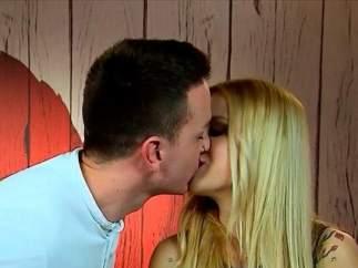 Adrián y Martina, en 'First Dates'.