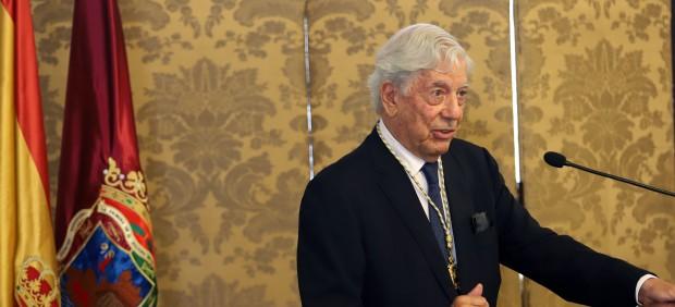 Vargas Llosa participará como ponente independiente en la Convención Nacional del PP