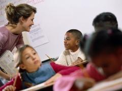 Proponen un modelo de evaluación de los profesores voluntario, confidencial y con incentivos económicos