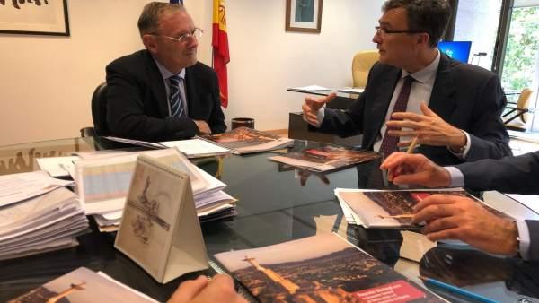 Ballesta con el director general de Bellas Artes del Gobierno de España