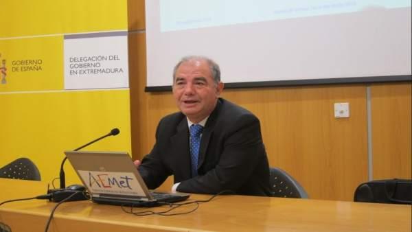 El delegado territorial de  la Aemet en Extremadura, Marcelino Núñez