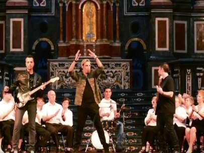 Les Veus de la Memòria, con la banda tributo a U2