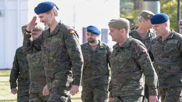 Visita del Rey Felipe VI a la base militar de 'El Copero'