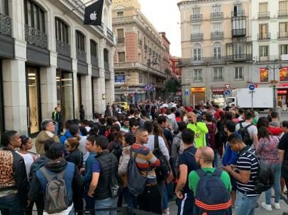 Colas para comprar el iPhone XS en Madrid