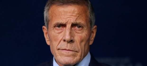 El viejo 'maestro' Óscar Tabárez renueva como seleccionador de Uruguay