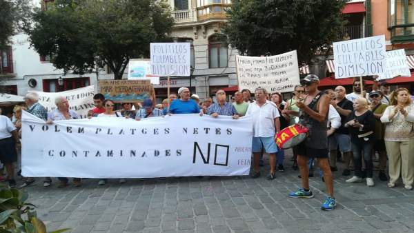 Manifestación por las playas de Palma