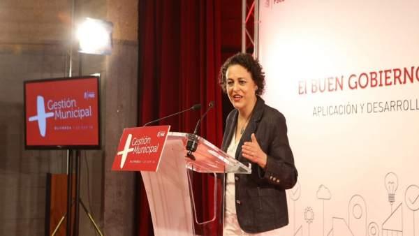 La ministra de Trabajo, Magdalena Valerio, en Olivenza