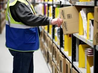 Amazon pone paquetes falsos en sus camiones para pillar posibles robos de sus repartidores