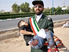 Decenas de muertos en un ataque terrorista en un desfile militar en Irán