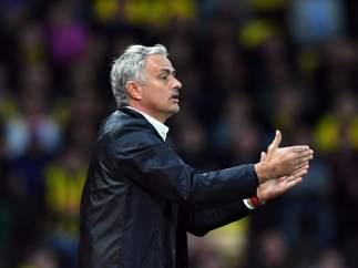 Goleadas para Klopp y Guardiola; batacazo en Old Trafford para Mourinho
