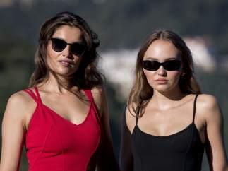 Laetitia Casta y Lily Rose Depp
