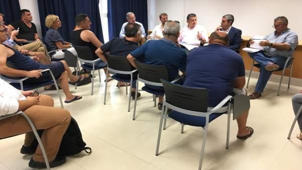 Reunión del PP con pescadores en Barbate (Cádiz)