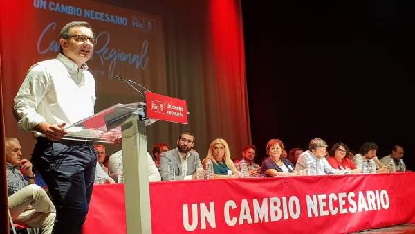 El secretario general del PSRM-PSOE, Diego Conesa