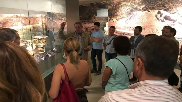 Visita guiada del PSOE al Museo del Arte Ibérico
