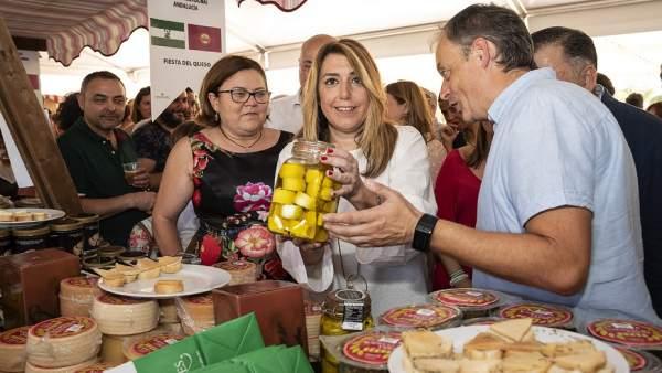 Susana Díaz visita la Feria del Queso de Zuheros (Córdoba)