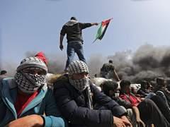 Un muerto y 20 heridos en una nueva jornada de protestas en Gaza