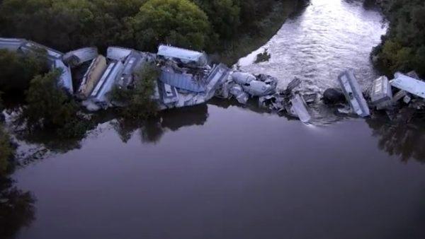 Brutal accidente de un tren de mercancías en EE UU