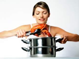Cocinando una langosta.
