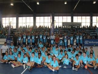 Los escolares participantes en la gira de 'Movistar Megacraks' en Alcalá