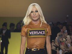 Movimientos en el sector del lujo: Michael Kors se dispone a comprar Versace por 2.000 millones de dólares
