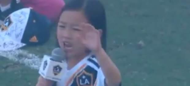 Hasta Ibrahimovic alucinó con esta niña de 7 años cantando el himno de Estados Unidos