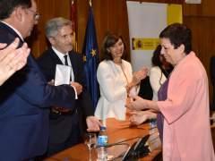 Mercedes Gallizo recibe la medalla de oro al Mérito Penitenciario