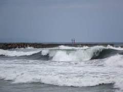 Cataluña activa la alerta por olas de más de cuatro metros en todo el litoral