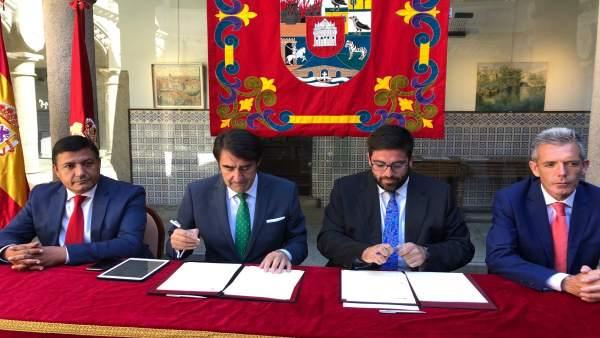 Firma del convenio para las Normas Urbanísticas Territoriales