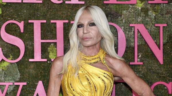 Michael Kors confirma la compra de Versace por 2.120 millones de dólares 93623f0a27