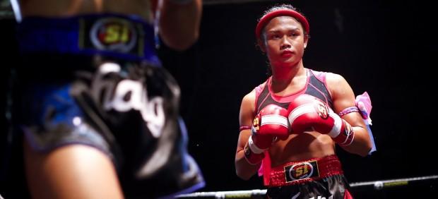 Nong Rosem, la trans tailandesa que combate la discriminación desde un ring de Muay Thai