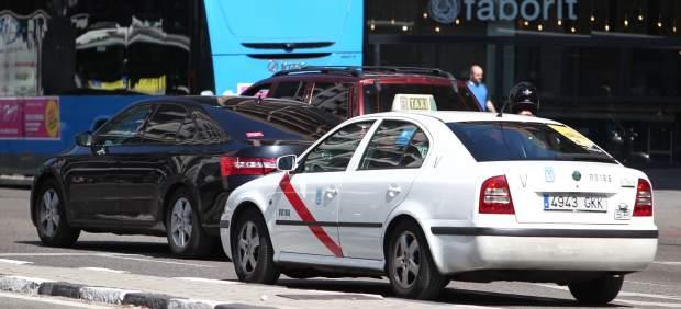 El sector del taxi anuncia demandas y querellas contra Uber, Cabify y el Gobierno para defenderse ...