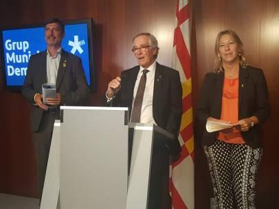 Jordi Martí, Xavier Trias y Neus Munté (PDeCAT) en rueda de prensa.