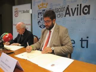 Convenio entre Diputación y Obispado de Ávila.